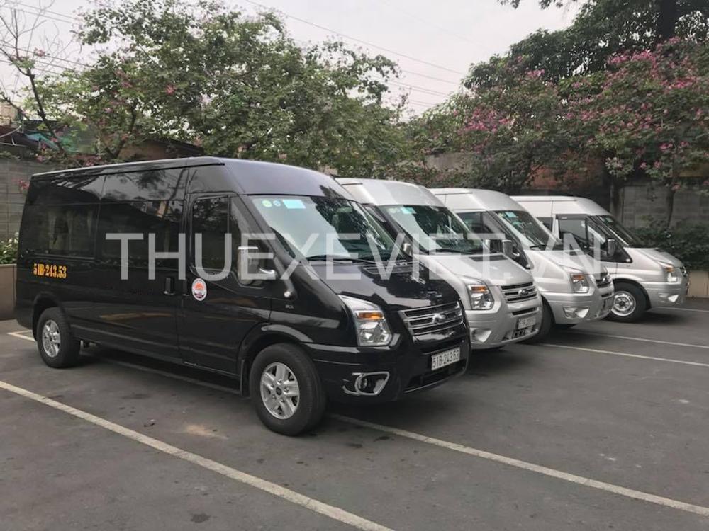 thuê xe ford transit limousine